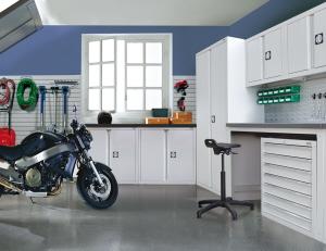 Dura Genius garage installation with Storewall