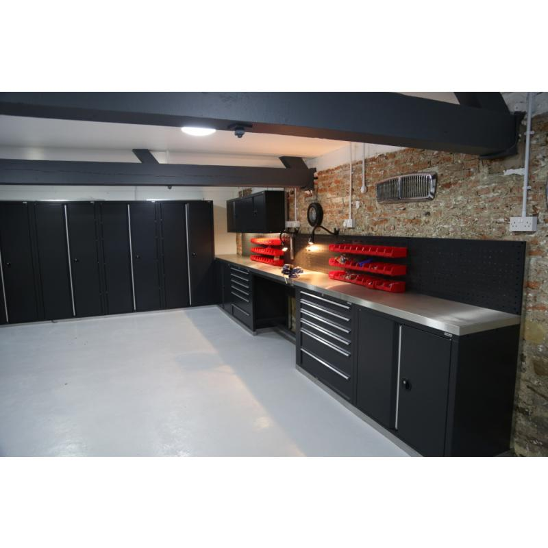 A great combination of cupboard storage and worktops.