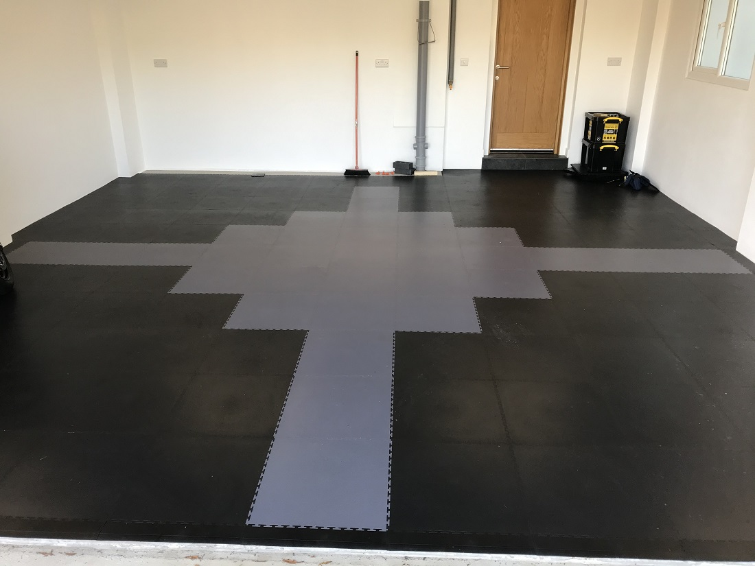 This Devon-based customer planned out a light grey and graphite tile pattern using our smooth textured tiles. With a little planning, the exact quantity of tiles was specified and the light grey pattern perfectly centralised. Good job!